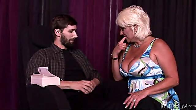 Dana Hayes and Melanie Monroe share a dick in hardcore FFM clip