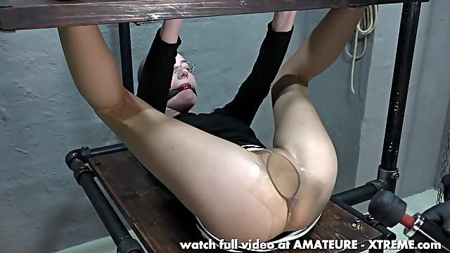 Karina's first pee hole hard fuck