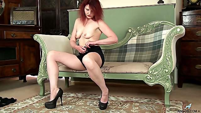 Homemade amateur video of mature Cee Cee having some naughty fun