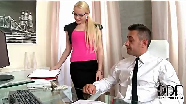Beautiful secretary in hot outfit sucks dick