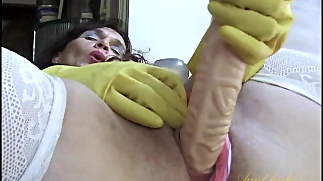 Rubber dishwashing gloves on a dildo fucking mommy