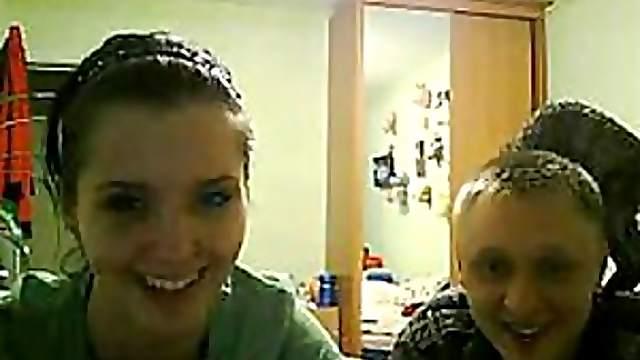 Amateur Couple Fucking On Webcam