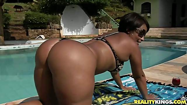 Delicious Darlene Gets Her Giant Butt Destroyed Outdoors