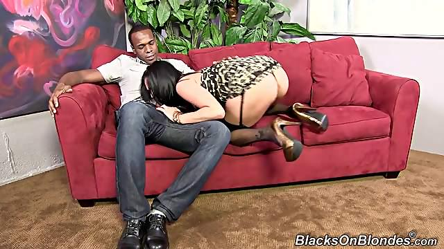 Black haired Milf in nylons and high heels in interracial anal sex