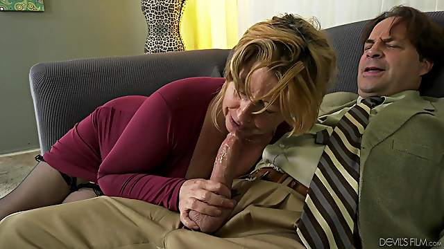 Penny Sue's nice tits are all a nasty mature guy wants to feel
