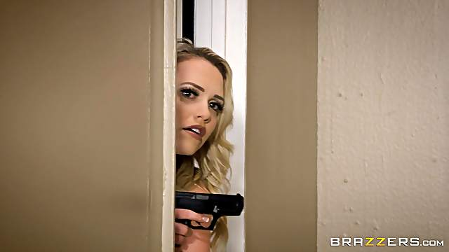 Gorgeous blonde Mia Malkova wants to be penetrated by a lover