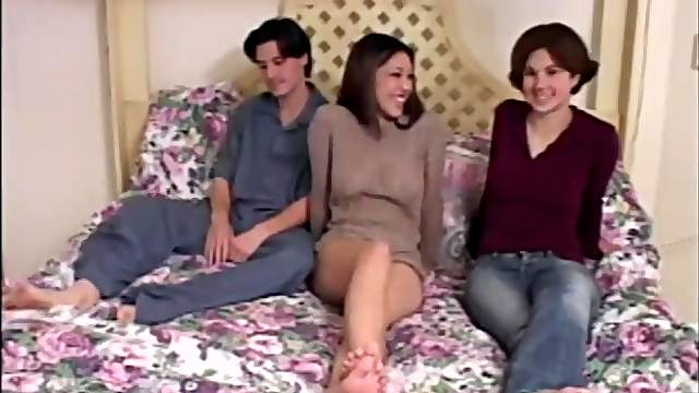 Amateur FFM threesome on the bed with sexy girl Nautica Thorn