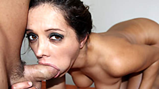 Pornstar massage turns oral