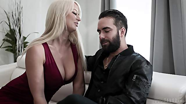 First time gagging his step mom and fucking her butt hole