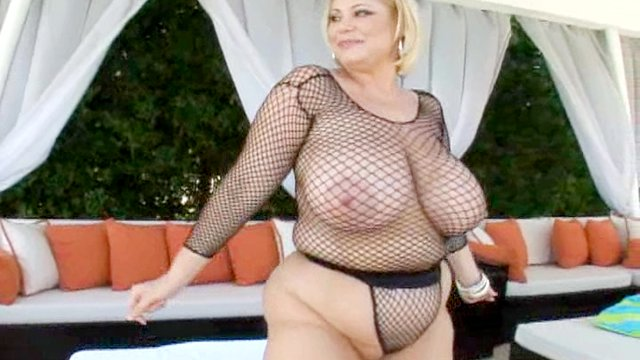 Chunky chick with big tits rides hard fucking dick