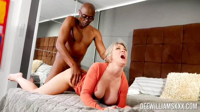 Black hunk drills wife and makes her cum