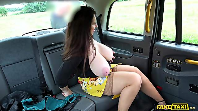 Chubby female loves the way the taxi driver fucks her wet holes