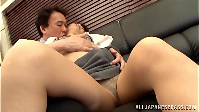 Hard sex for a thick Asian mature with great forms