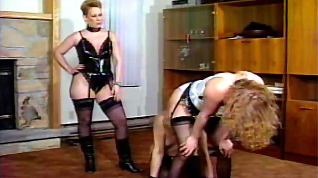 Dirty mistress likes femdom hardcore