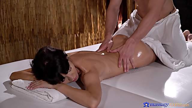 Deep penetration massage sex for a slim brunette with perfect ass