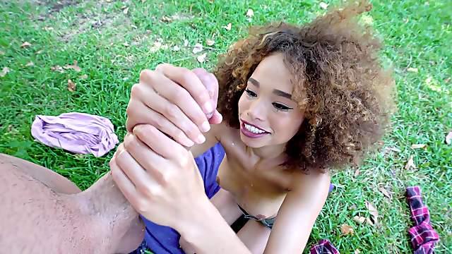 Ebony beauty Cecilia Lion works oral magic on a sizable shaft