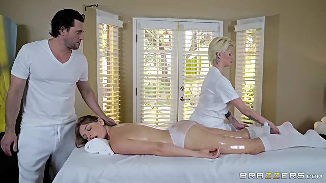 Smashing nude woman receives the right massage