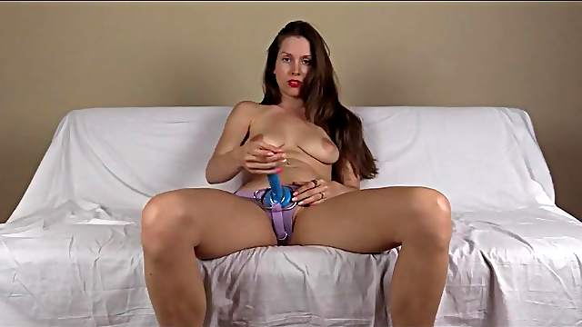 Lelu Love tells you to suck cock as you stroke